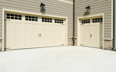 4 Simple And Easy Steps To Fix Your Garage Door Off Track