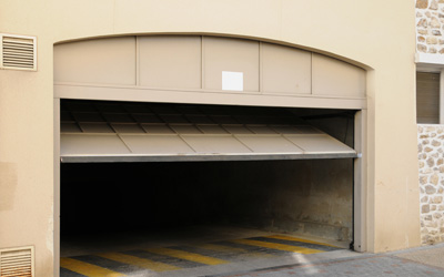 Instructions to Prepare Your Garage Door for Winters